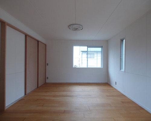 Skandinavische arbeitszimmer mit sperrholzboden ideen for Arbeitszimmer wandfarbe