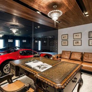 エクレクティックスタイルのおしゃれな書斎 (白い壁、暖炉なし、自立型机、グレーの床) の写真