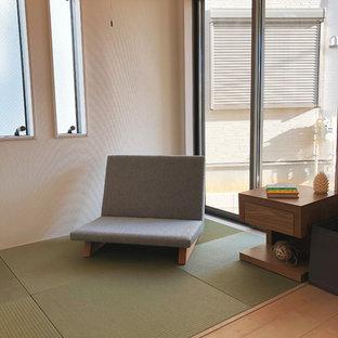 Idee per un ufficio etnico di medie dimensioni con pareti bianche, pavimento in tatami e pavimento verde