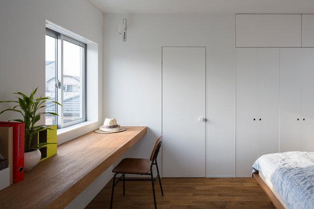 Modern Home Office by 山本卓郎建築設計事務所 TAKURO YAMAMOTO ARCHITECTS