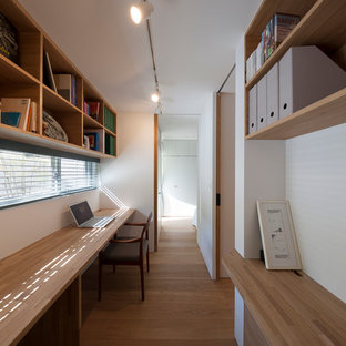 Study Room   Small Modern Built In Desk Study Room Idea In Tokyo With White