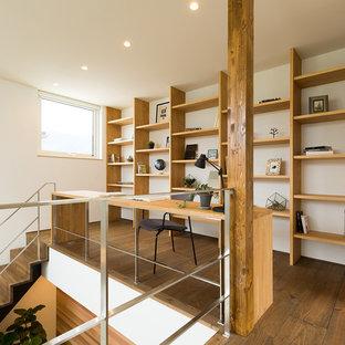 他の地域のアジアンスタイルのおしゃれなホームオフィス・書斎の写真