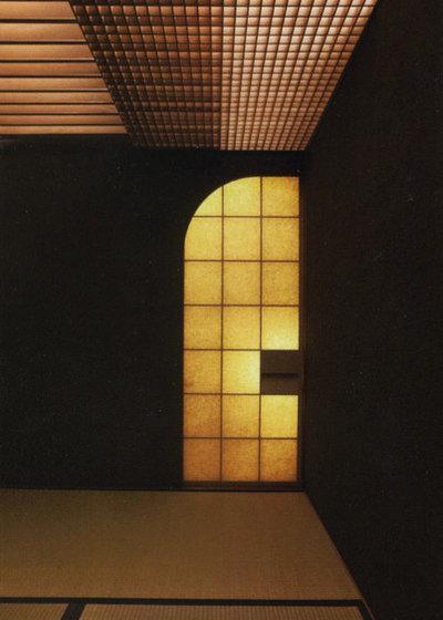 Japanese Family Room by 横河設計工房 KEN YOKOGAWA ARCHITECT & ASSOCIATES INC.