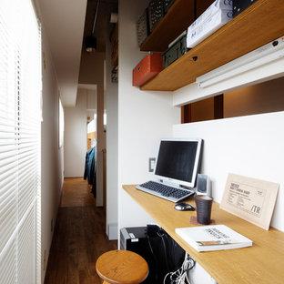 他の地域のインダストリアルスタイルのおしゃれなホームオフィス・仕事部屋の写真