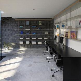 東京23区のモダンスタイルのおしゃれなホームオフィス・仕事部屋の写真