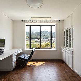 神戸のモダンスタイルのおしゃれなホームオフィス・仕事部屋の写真