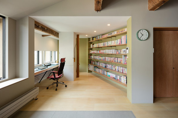 Asian Home Office by PUDDLE Inc