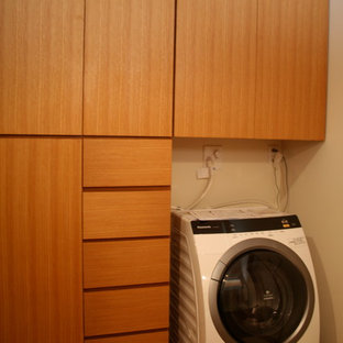 Esempio di una lavanderia moderna