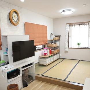 テレビボードがお部屋の中心に。