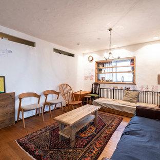 福岡の中サイズの北欧スタイルのおしゃれなLDK (紫の壁、淡色無垢フローリング、テレビなし、茶色い床) の写真