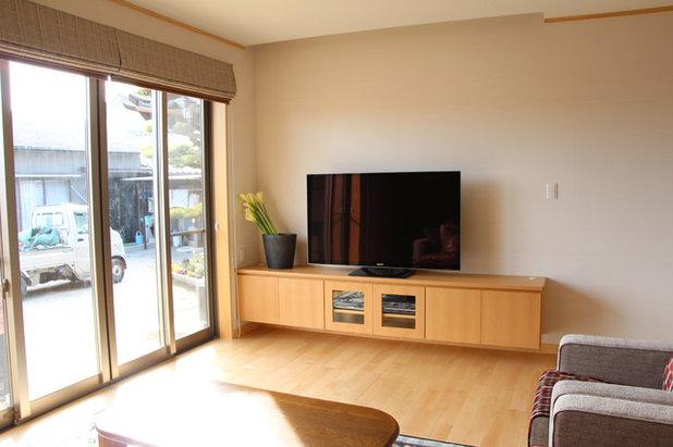モダン 居間 by Mitsui Furniture