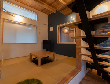 仕切ることで客間としても利用できる小上がり和室
