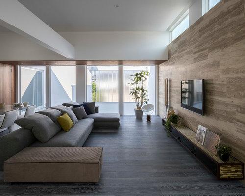 Soggiorno moderno con pavimento in legno verniciato - Foto e Idee ...