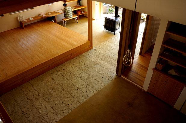 Living Room by 木楽工房 Atelier Kiraku