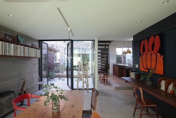 Contemporary Living Room by Studio CY(株)スタジオ サイ