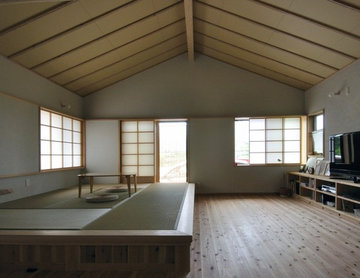 小上がりのある居間、平屋部分