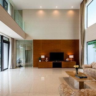 トランジショナルスタイルのおしゃれな独立型リビング (フォーマル、ベージュの壁、暖炉なし、据え置き型テレビ、ベージュの床) の写真