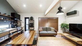 無垢の杉と塗り壁でつくったクロムクの家