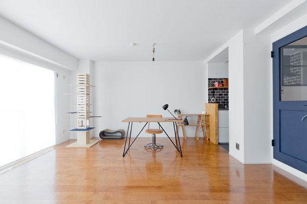 シャビーシック調 リビング・居間 by SCHOOL BUS空間設計