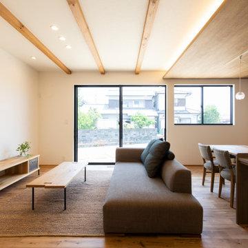 香川県高松市に建つ、「2世帯で幸せに暮らす家」のリビング