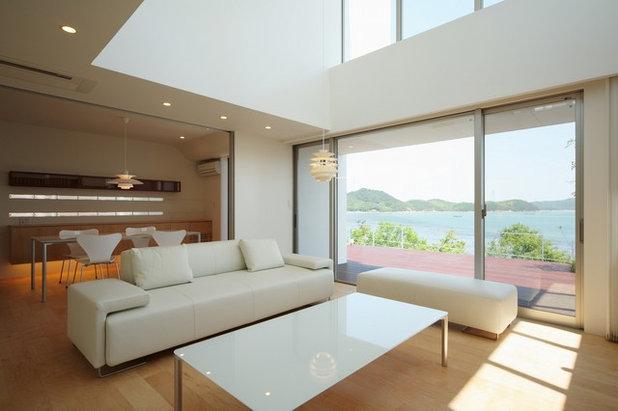 北欧 リビング by MITSUTOSHI OKAMOTO ARCHITECT OFFICE