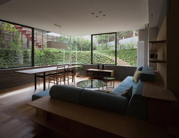 Modern Living Room by KEN YOKOGAWA ARCHITECT & ASSOCIATES INC.