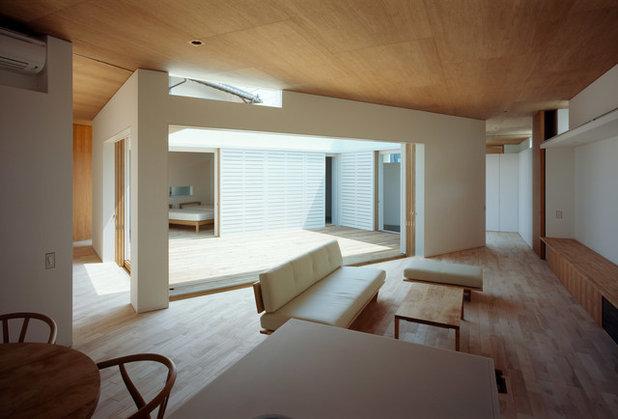 モダン リビング by 山本卓郎建築設計事務所 TAKURO YAMAMOTO ARCHITECTS