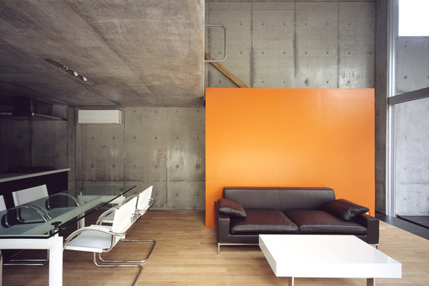 Industriel Salon by 山本卓郎建築設計事務所 TAKURO YAMAMOTO ARCHITECTS