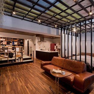 東京23区のインダストリアルスタイルのリビング・居間の画像