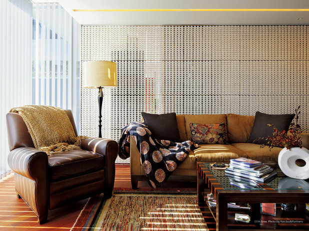 Asian Living Room by 株式会社虔山 Kenzan