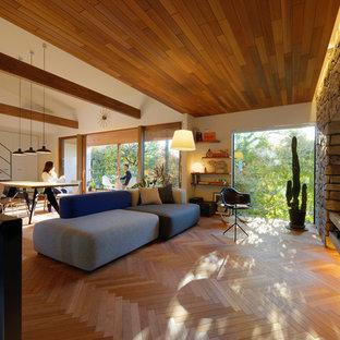Foto di un soggiorno stile americano di medie dimensioni