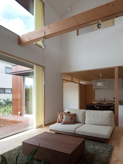 asiatische wohnzimmer mit hellem holzboden ideen design. Black Bedroom Furniture Sets. Home Design Ideas