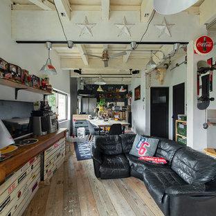 神戸の小さいおしゃれなLDK (白い壁、暖炉なし、据え置き型テレビ) の写真