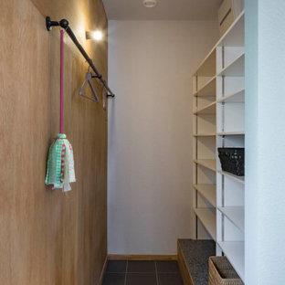 Diseño de armario y vestidor papel pintado con suelo gris y papel pintado