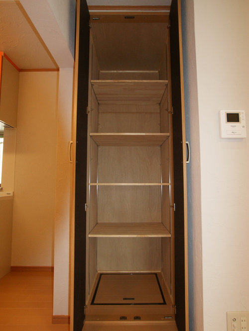 armoires et dressings avec un placard porte plane et un. Black Bedroom Furniture Sets. Home Design Ideas