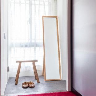 Diseño de armario y vestidor asiático de tamaño medio