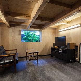 大阪のインダストリアルスタイルのおしゃれな地下室の写真
