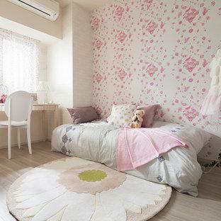 東京23区のコンテンポラリースタイルのおしゃれな子供部屋 (ピンクの壁、児童向け、無垢フローリング) の写真