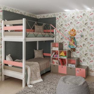 京都のコンテンポラリースタイルのおしゃれな子供部屋 (マルチカラーの壁、児童向け) の写真