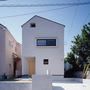 横浜の中くらいのモダンスタイルのおしゃれな家の外観の写真