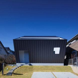 大阪の小さいモダンスタイルのおしゃれな家の外観の写真