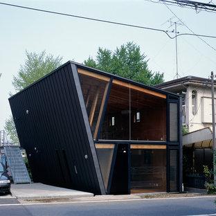 横浜の中くらいのラスティックスタイルのおしゃれな家の外観の写真