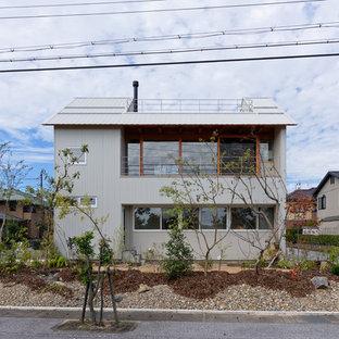京都のモダンスタイルのおしゃれな家の外観の写真
