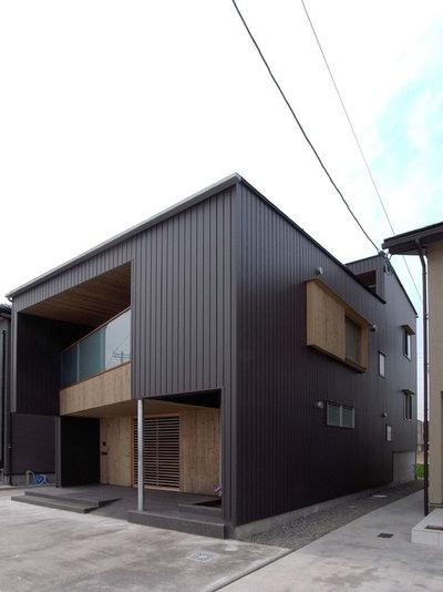 インダストリアル 家の外観 by 翠建築設計室