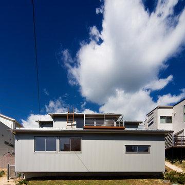 傾斜地の家