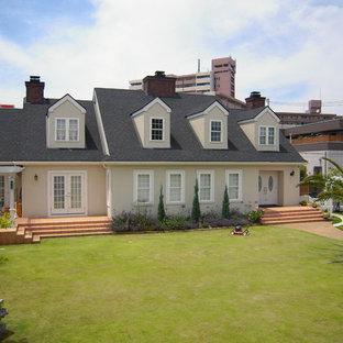 他の地域のサンタフェスタイルのおしゃれな家の外観の写真