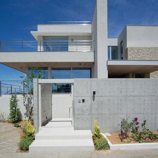他の地域の地中海スタイルのおしゃれな家の外観の写真