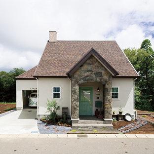 他の地域のカントリー風おしゃれな家の外観 (切妻屋根) の写真