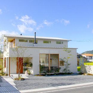 大阪の北欧スタイルのおしゃれな家の外観の写真