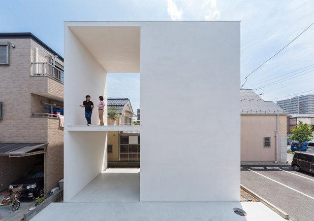 Contemporary Exterior by 山本卓郎建築設計事務所 TAKURO YAMAMOTO ARCHITECTS